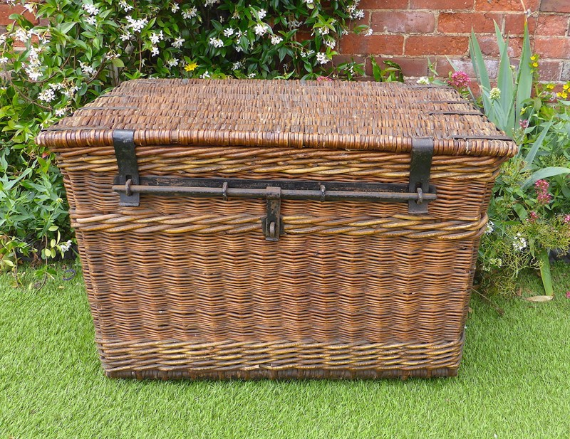 Large Edwardian Country House Laundry Basket-ginger-tom-s-curious-eclectic-ce516a-hoarde-main-637315319021367732.JPG