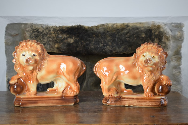 Large 19th Century Staffordshire Pottery Lions-grumbla-lane-dsc-4534-main-637489175723378060.JPG