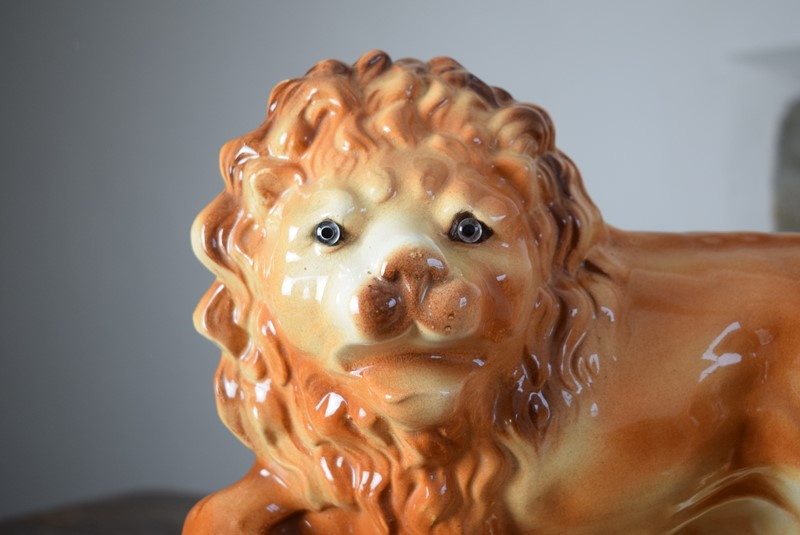 Large 19th Century Staffordshire Pottery Lions-grumbla-lane-dsc-4542-main-637489176211500848.JPG
