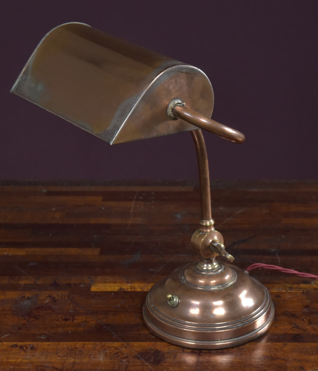 Antique Bankers desk lamp-haes-antiques -DSC_2647CR_main_636327812264475216.jpg - Antique Bankers Desk Lamp - The Hoarde