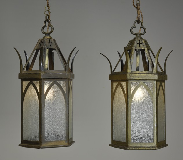 ANTIQUE GOTHIC LANTERNS-haes-antiques-DSC_5990CR FM_main_636430094716759426.jpg