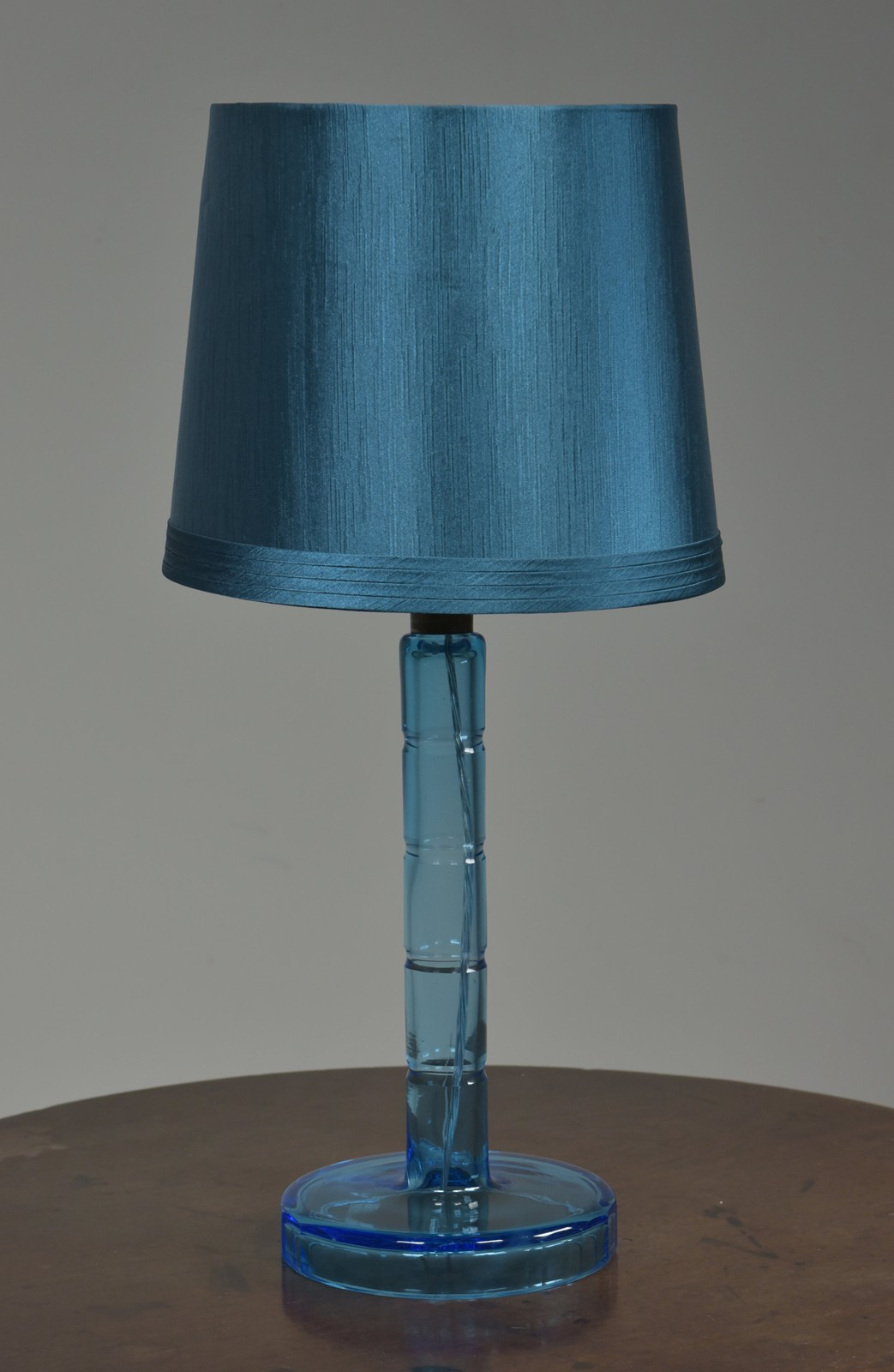 Zoom; Vintage Blue Glass Table Lamp Haes Antiques DSC_6883CR  FM_main_636461922568601787