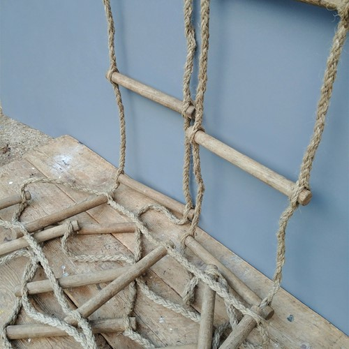 Vintage, 18 rung rope ladder