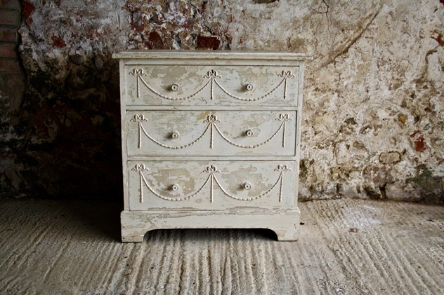 1930s white painted chest of drawers-janey-cave-IMG_9346-main-636573367110326984.jpg