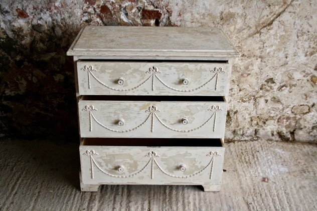 1930s white painted chest of drawers-janey-cave-IMG_9350-main-636573367121871576.jpg
