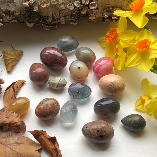 A Collection Of Stone And Agate Eggs.