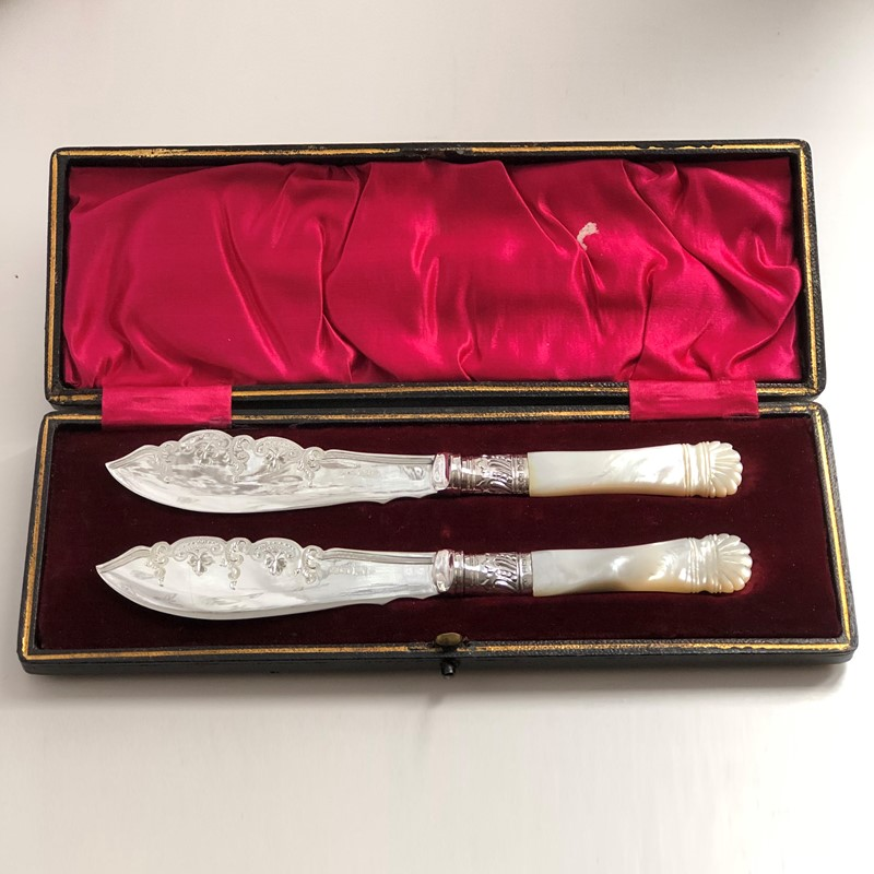 A Pair Of Silver Plated & M.O.P Butter Knives -linda-jackson-antique-silver-lj0107-3-main-637426663380650728.jpg