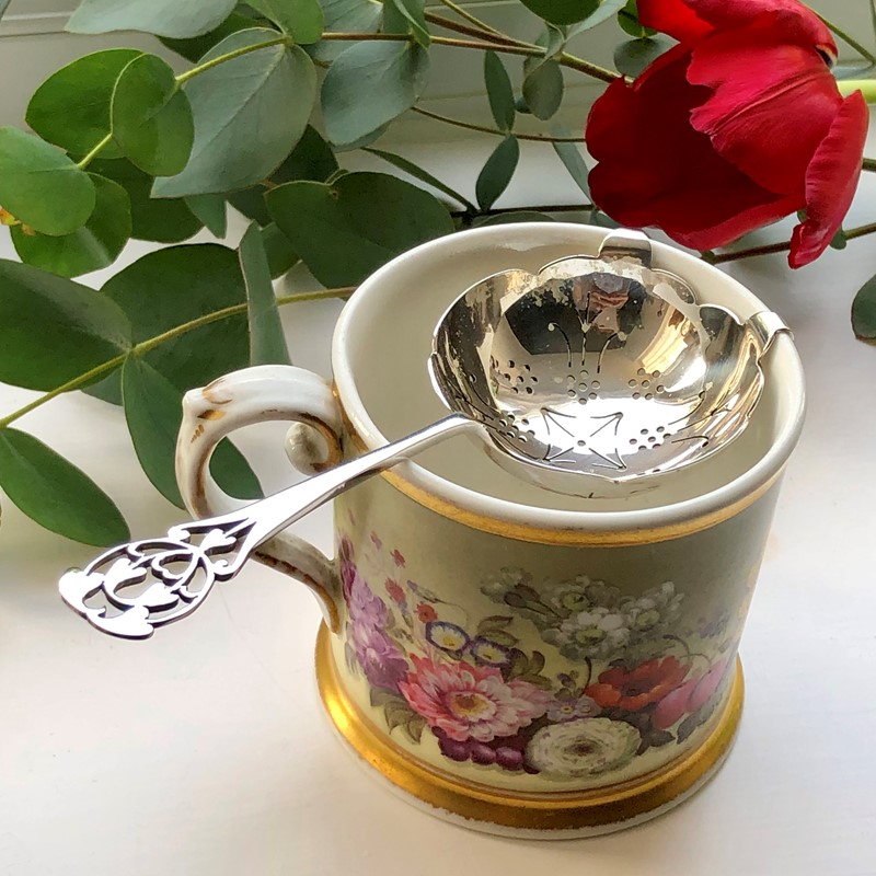 Silver Tea Strainer With A Pierced Decoration-linda-jackson-antique-silver-lj0227-8-main-637447783955206075.jpg
