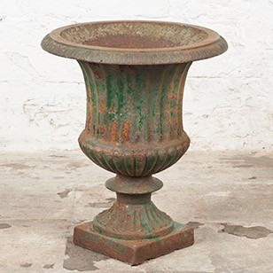 Lovely, late Victorian Cast Iron Urn