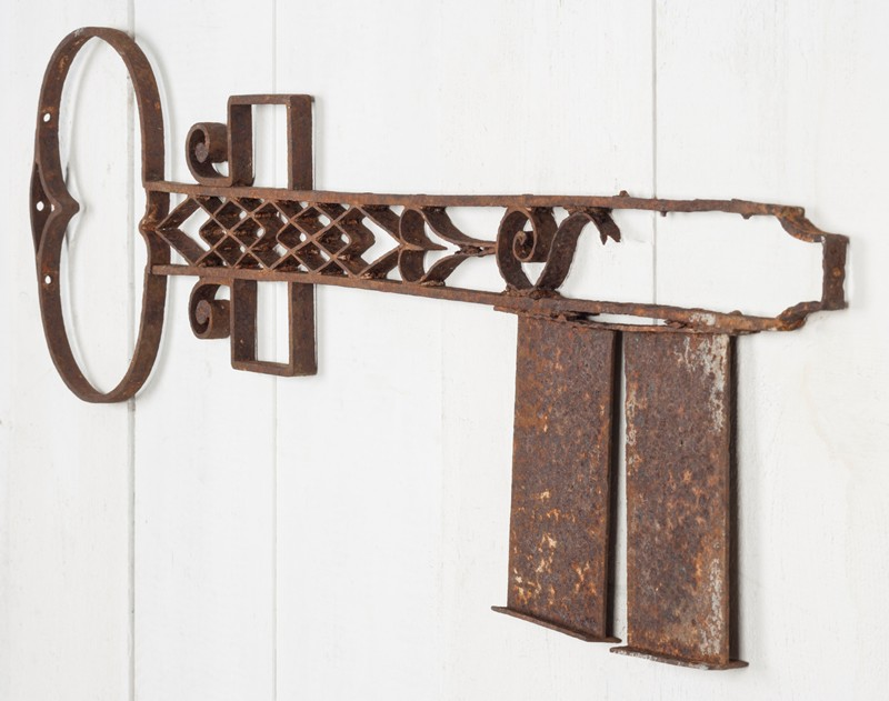 Fantastic Wrought Iron Locksmith's Trade Sign-ljw-antiques-0424_right-main-636664340359643467.jpg