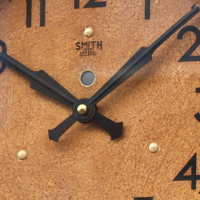 1950s Smiths Bakelite vintage wall clock.-london-timepiece-6809d-main-637393250480389407.JPG