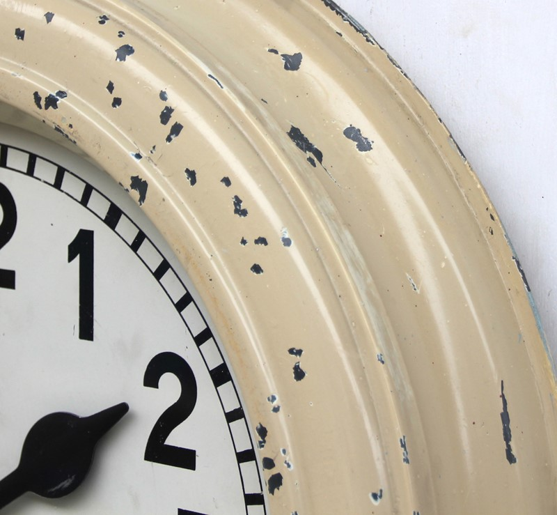Large 47cm heavy industrial vintage wall clock -london-timepiece-6832m-main-637394936986132428.JPG