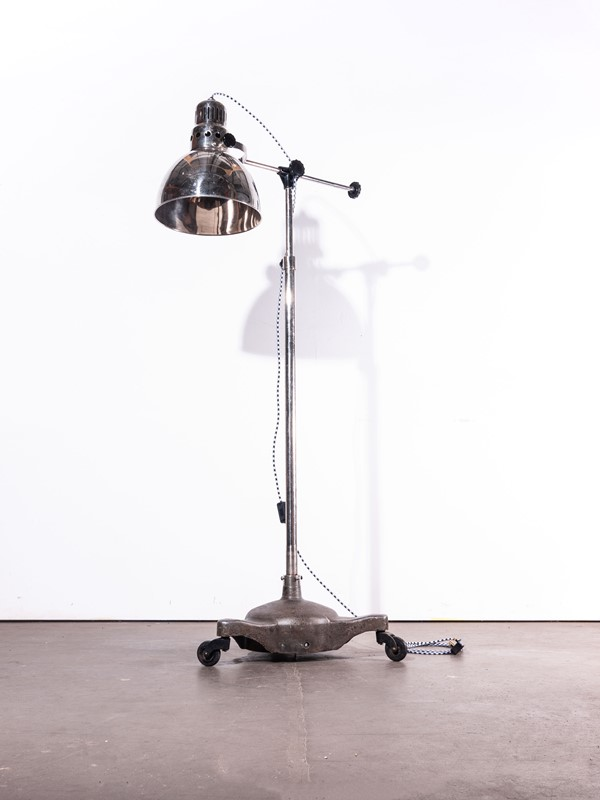 1950's Vintage Standing  Lamp On Wheels-merchant-found-280-main-637050032906075962.jpg
