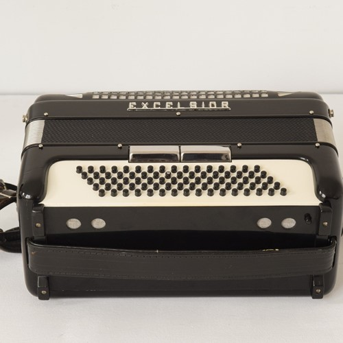 Excelsior Accordion, Mod. 304