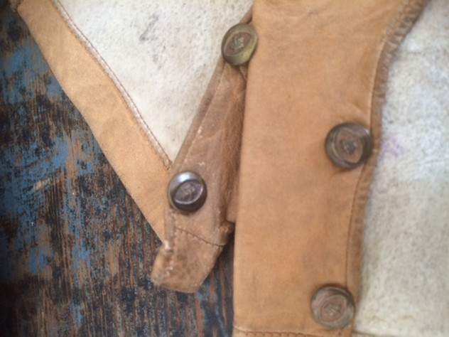 Small child's leather gloves-nikki-page-antiques-IMG_6778_main_636420656482817140.JPG