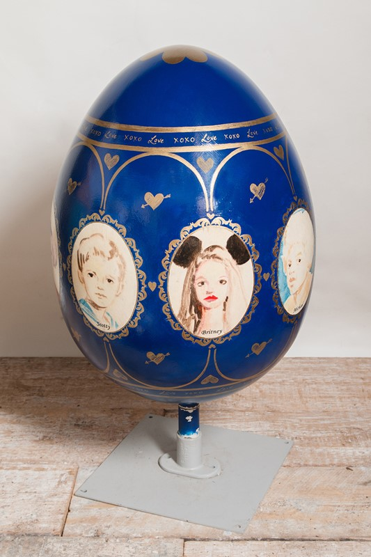 Annie Kevans giant egg-nikki-page-antiques-npmarch15-57-main-636921416226599616.jpg