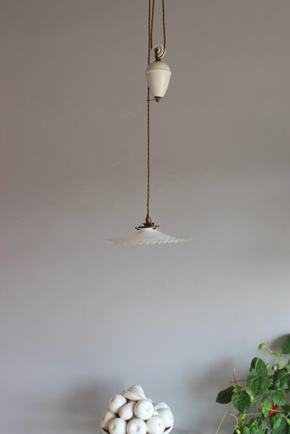 Ceramic 1920s rise and fall antique light-norfolk-decorative-antiques-IMG_8572_main_636349460243481083.jpg
