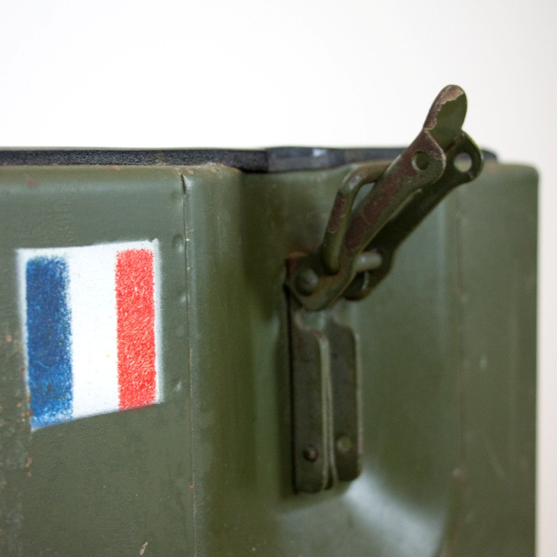 2x French army medic coolbox-old-goods-2x French army medic coolbox10-main-636644757809052017.jpg