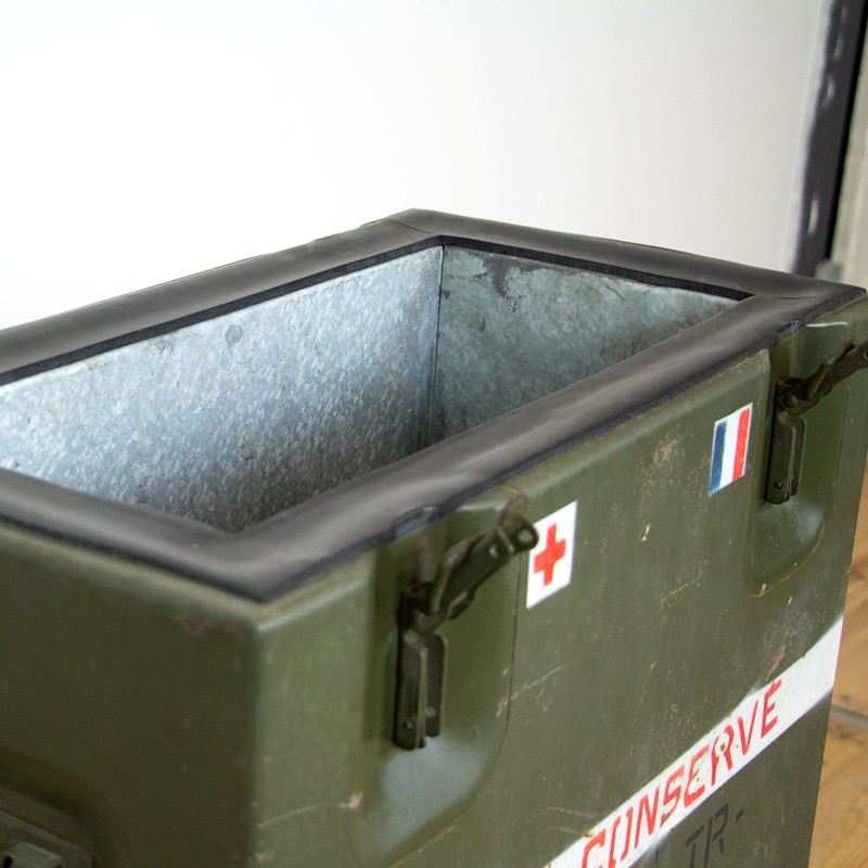 2x French army medic coolbox-old-goods-2x French army medic coolbox5-main-636644757676757233.jpg