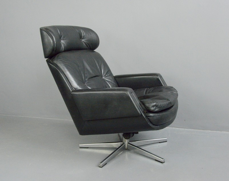 Mid Century Lounge Chair By Kurt Hvitsjö For Isku -otto-s-antiques--dsc8031-main-637351697827971885.JPG