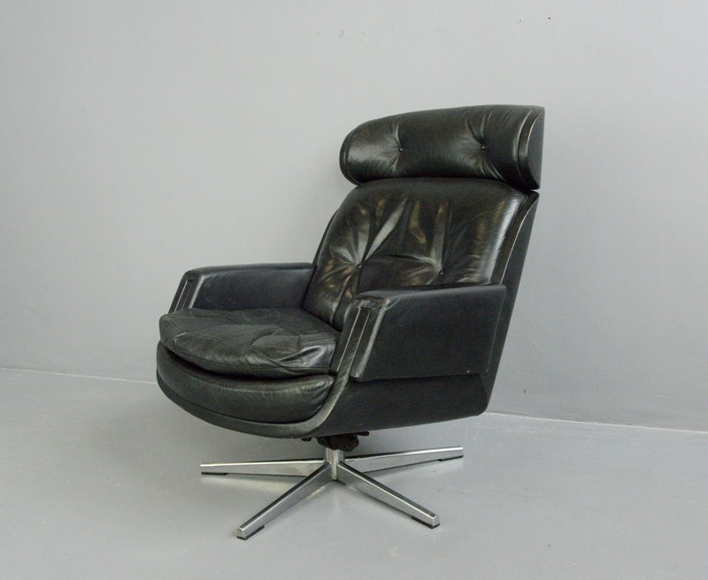 Mid Century Lounge Chair By Kurt Hvitsjö For Isku -otto-s-antiques--dsc8034-main-637351697838440649.JPG