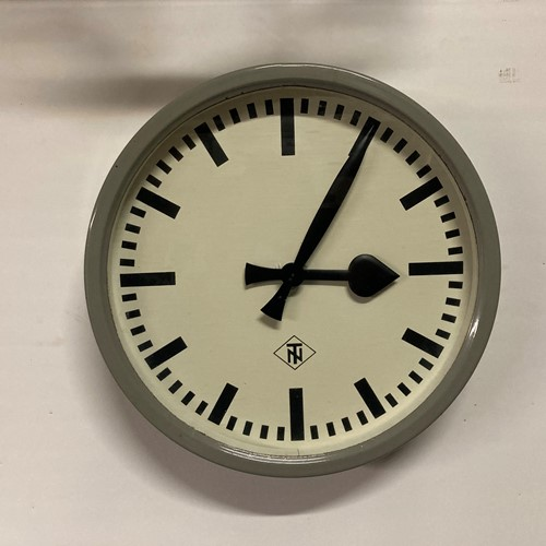 German TN electric wall clock