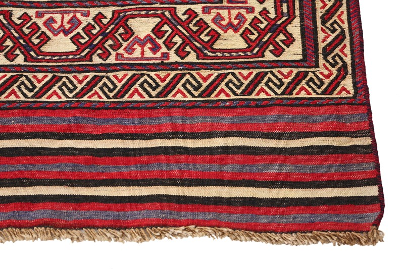 Persian Saghari hand woven wool rug cream red-prior-willis-antiques-4194-2-main-636800650825396335.jpg