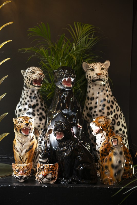 Outstanding Hand Decorated Ceramic Black Panther-ridding-wynn-outstanding-italian-hand-decorated-ceramic-black-0-1-main-637219497360469051.jpg