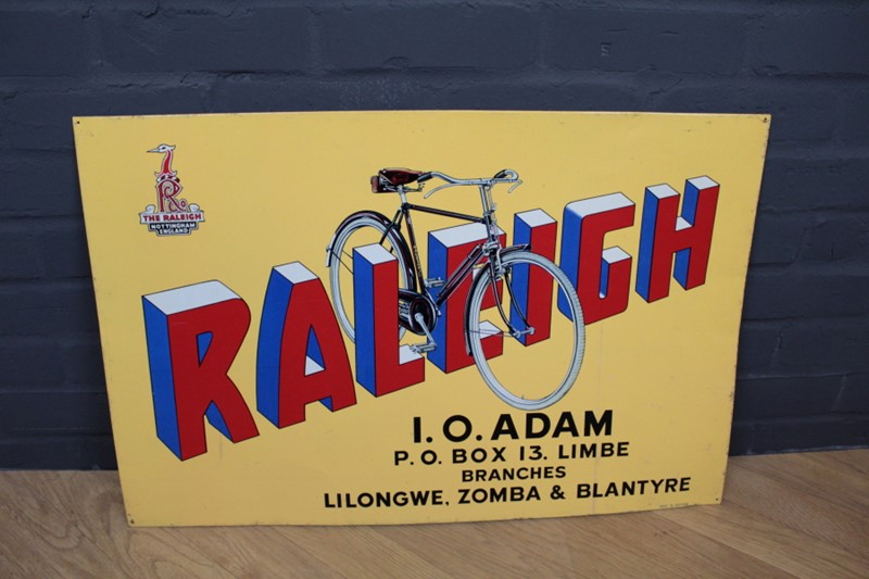 Raleigh Advertisement Signage-robinscroft-interiors-15-2-main-636815244411535195.JPG
