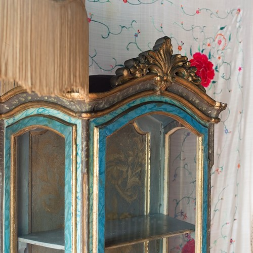 18th century Painted Faux Marble Vitrine