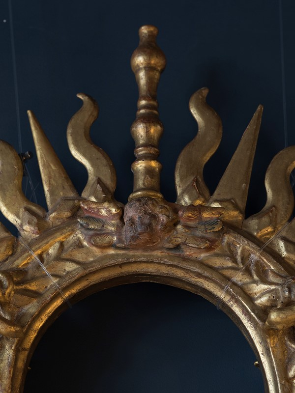 18th Century Giltwood Sunburst Surmount-roche-coward-antiques-carved-giltwood-surmount-00014-main-637406102776034291.jpg