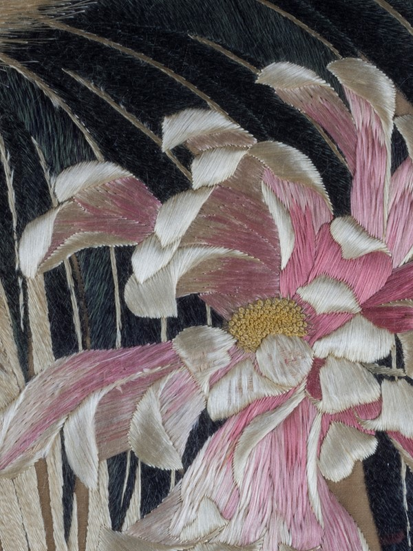 Exceptional Framed Meiji Embroidery-roche-coward-antiques-japanese-meiji-embroidery-chickens-00005-main-637267722896935407.jpg