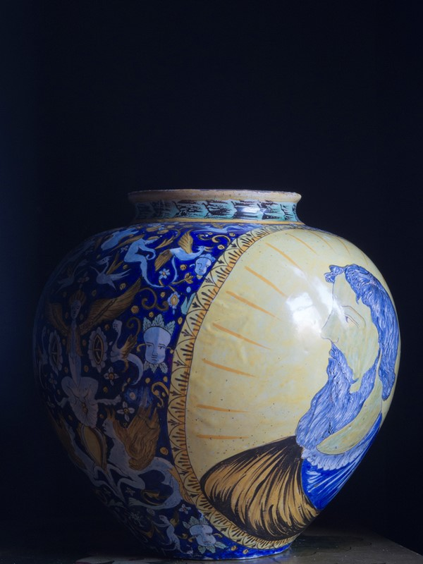 Large Italian Maiolica Vase 19th Century-roche-coward-antiques-maiolica-portrait-vase-19th-century-00003-main-637109049435900663.jpg