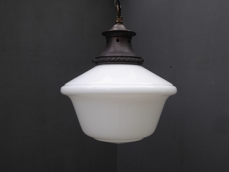 Opaline Chapel Pendant Light-room-8-interiors-P1540111-main-636768599040131280.JPG