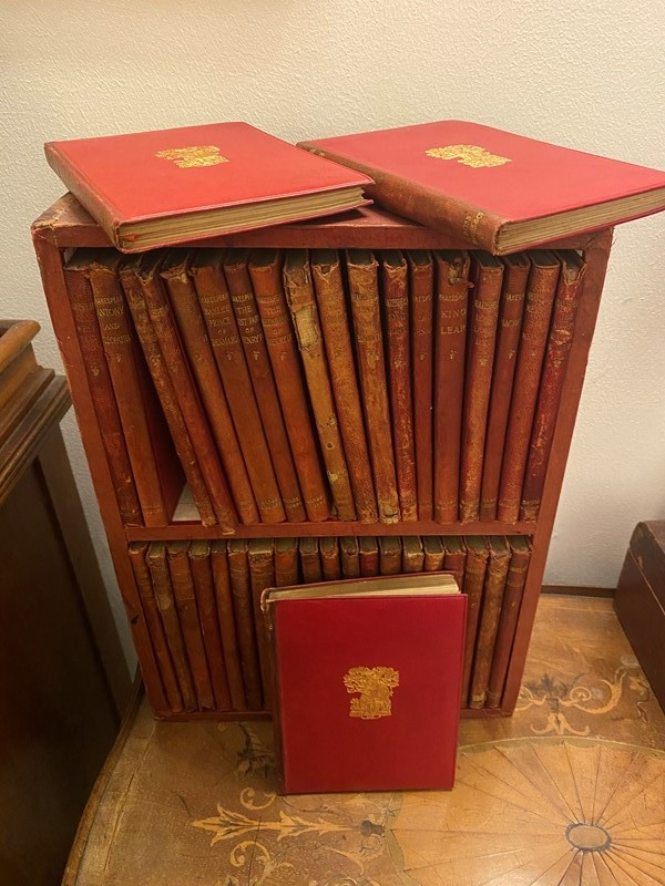 18th Century cased leather 40 Shakespeare works-sandie-lewis-antiques-and-interiors-34ecd4e0-76b4-4fd8-8de8-e4c7031996a3-main-637473810643479914.jpeg