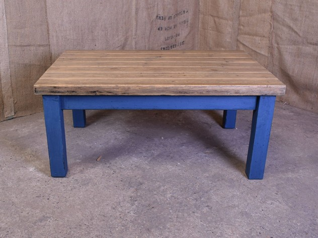 Painted Reclaimed Plank Coffee Table-saxongate-DSC_4010_main_636505643246303588.JPG