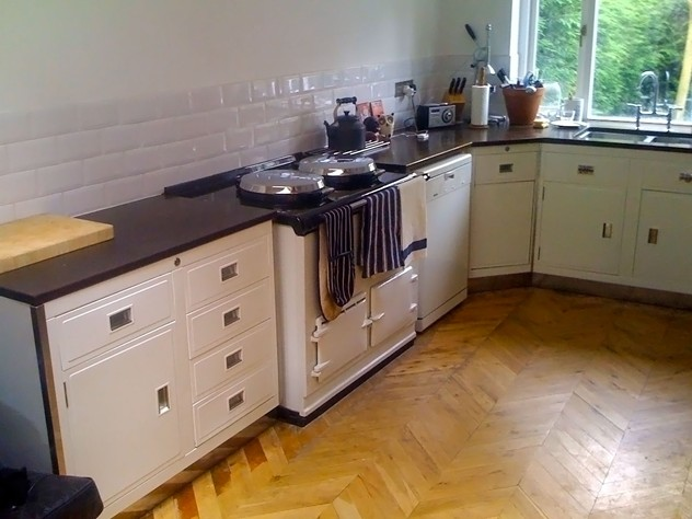 Paul Metalcraft vintage kitchen units-source-antiques-white paul kitchen with aga_main_635980476380964320.jpg