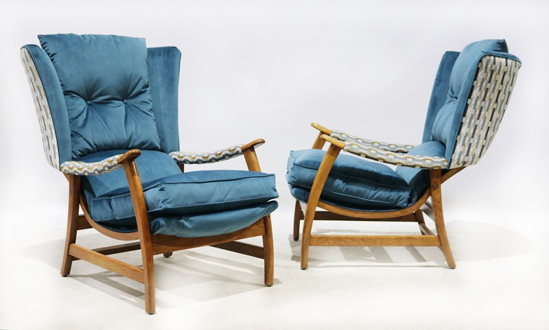 A Beautiful Pair of 1970s Retro Armchairs-taylor-s-classics-cha-07694-main-637031906643252004.jpg