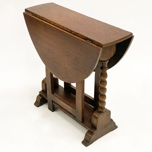 Lovely Quality Miniature Gate Leg Table in Oak