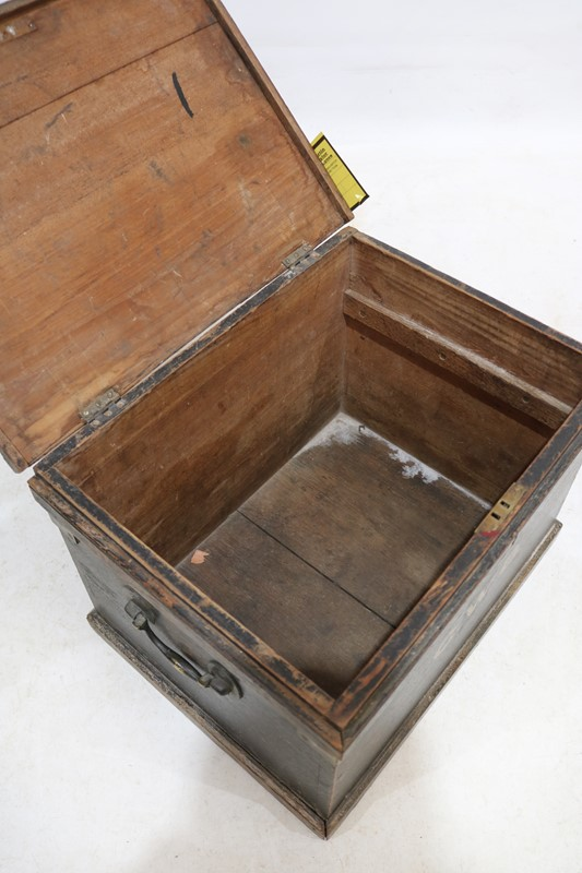Early 20th Century Painted Pine Tool Box-taylor-s-classics-tab-07534-2-main-636845516601264640.jpg