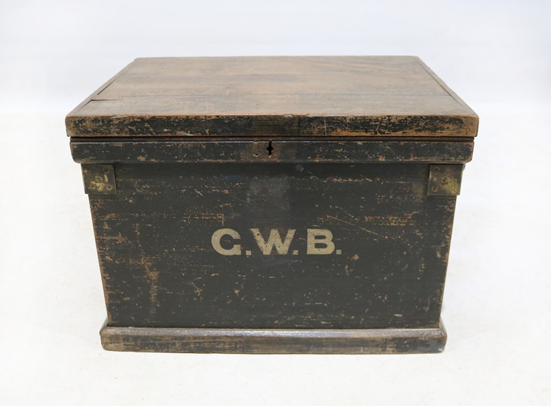 Early 20th Century Painted Pine Tool Box-taylor-s-classics-tab-07534-main-636845516380832885.jpg