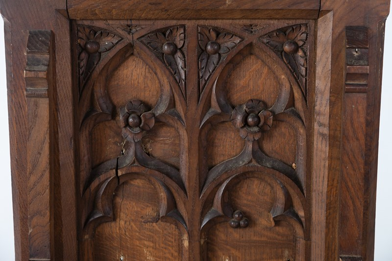Selection of Early 18th Century Gothic Oak Panels-taylor-s-classics-tab-08771-08773-08774-13-main-637439018179946308.jpg