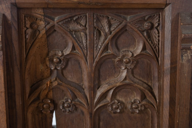 Selection of Early 18th Century Gothic Oak Panels-taylor-s-classics-tab-08771-08773-08774-15-main-637439018187133045.jpg