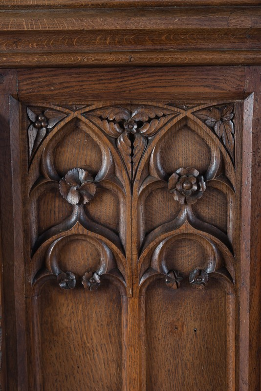 Selection of Early 18th Century Gothic Oak Panels-taylor-s-classics-tab-08771-08773-08774-2-main-637439018126976411.jpg