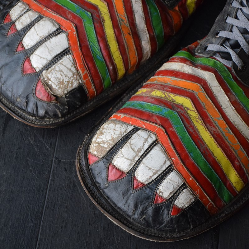 Amazing clown shoes -the-house-of-antiques-dsc-0803-main-637503922695101451.jpg