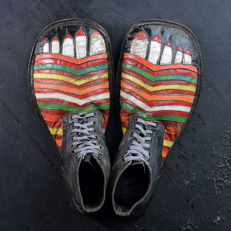 Amazing clown shoes -the-house-of-antiques-dsc-0863-main-637503922715258040.jpg