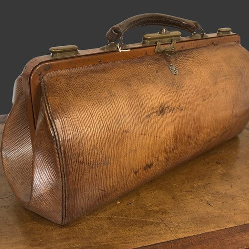 Leather nurses gladstone bag