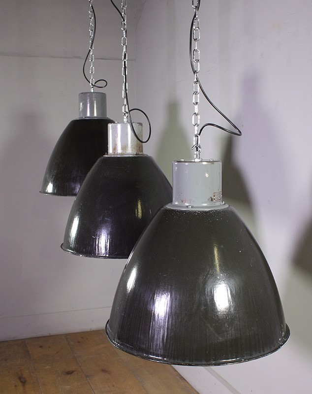 Industrial Czech Pendant Lights-turner--cox-img-tc-black-051274-main-637100115621215752.jpg