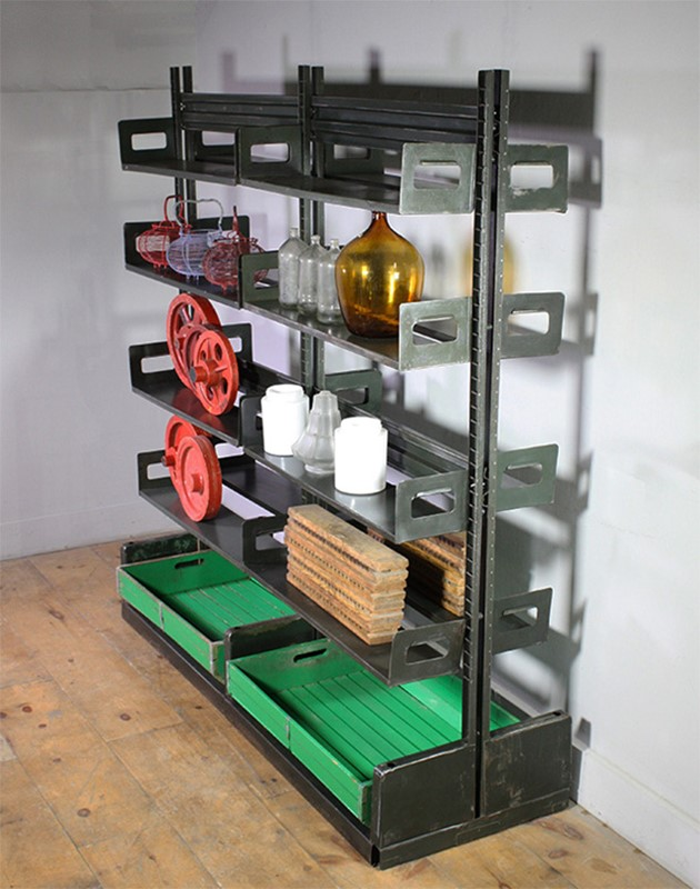 Metal Shelving-turner--cox-img-tc-shelf-0102629-main-637254915292574121.jpg
