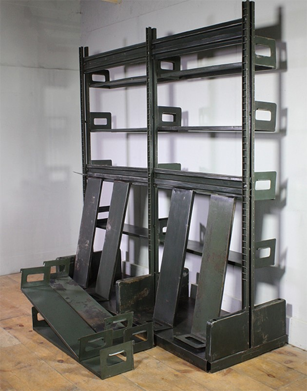 Metal Shelving-turner--cox-img-tc-shelf-042648-main-637254915358668119.jpg